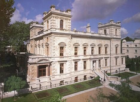Lakshmi Mittal House Palace Bungalow Successstory