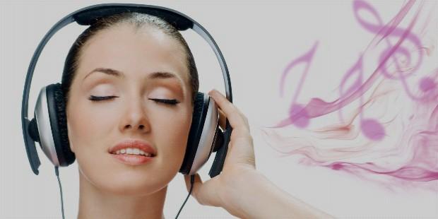 6945165 girl listening music wallpaper