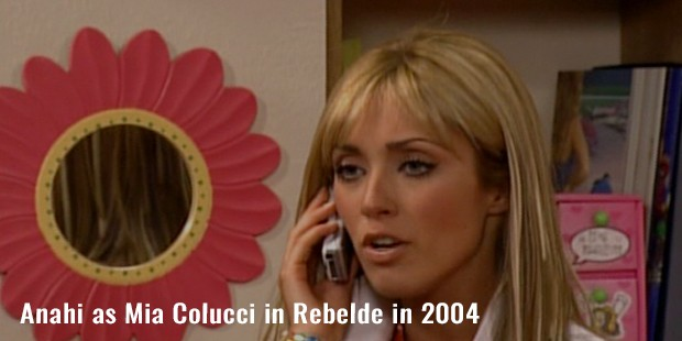 anahi as mia colucci in rebelde in 2004