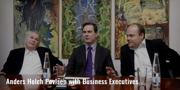 anders holch povlsen with business executives