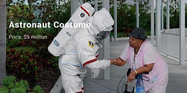 astronaut costume