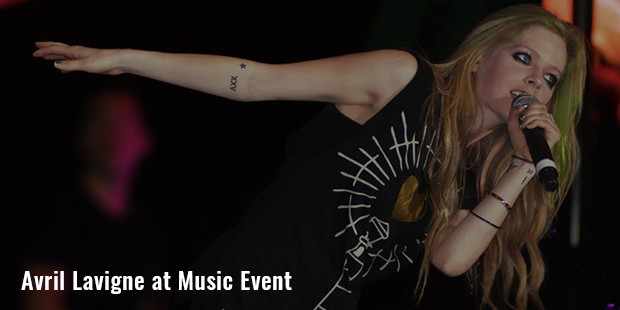 avril lavigne at music event