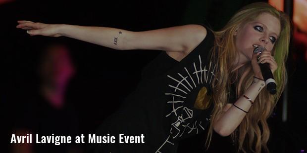 avril lavigne at music event