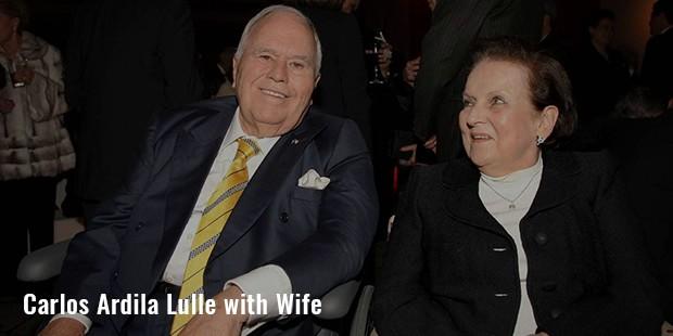 carlos ardila lulle with wife