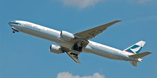 cathay pacific boeing 777 300e
