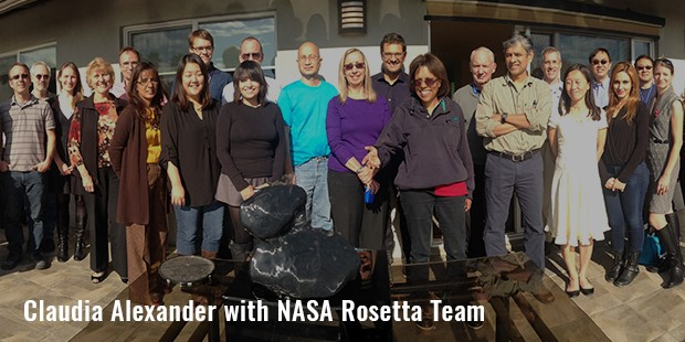 claudia alexander with nasa rosetta team