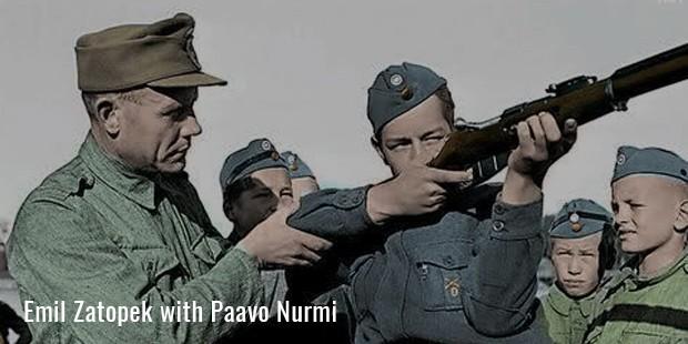 emil zatopek with paavo nurmi