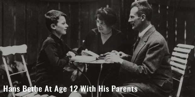 hans bethe at age 12 with his parents