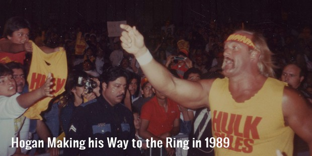 hogan making his way to the ring in 1989