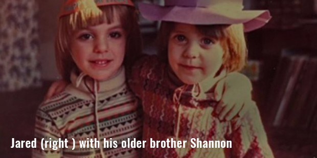 jared  right   with his older brother shannon