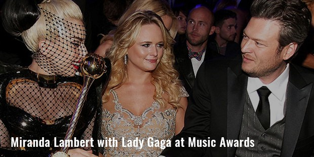 miranda lambert with lady gaga at music awards