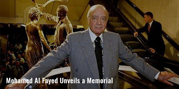 mohamed al fayed unveils a memorial to his son dodi and britain s diana princess of wales