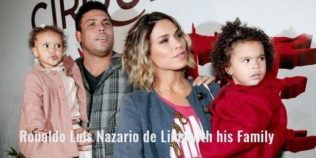 ronaldo luis nazario de limawith his family