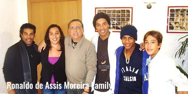 ronaldo de assis moreira family