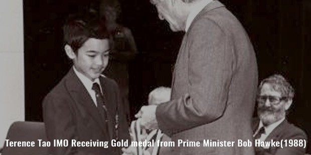 terence tao imo receiving gold medal from prime minister bob hawke 1988