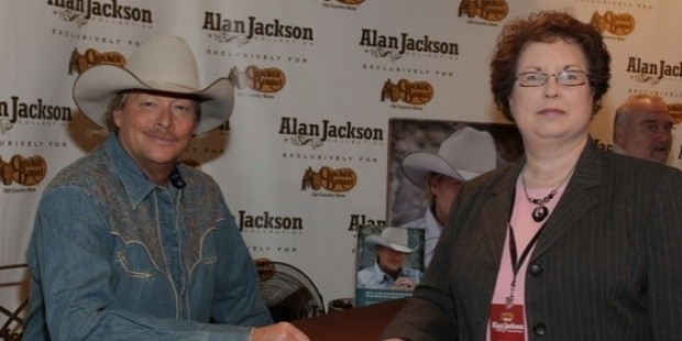 alan jackson at cracker barrel to promote the alan jack