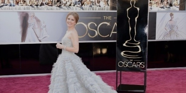 amy adams darren le gallo oscars 2013 red carpet 03