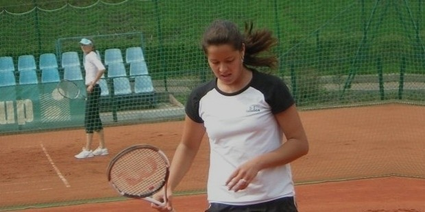 anna inovic early tennis