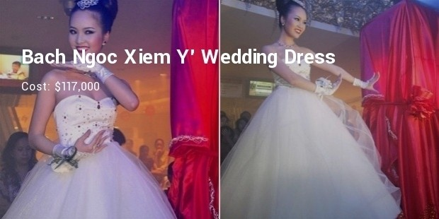 bach ngoc xiem y wedding dress