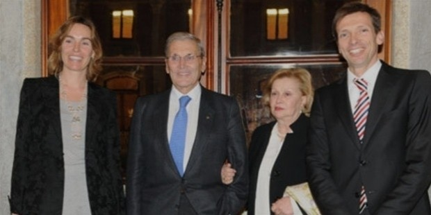 belmiro de azevedo with his wife, margaret, the eldest son and his wife