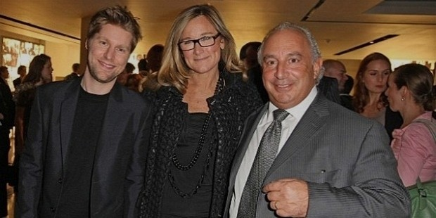 burberry supremo angela ahrendts with christopher bailey  left  and sir phillip