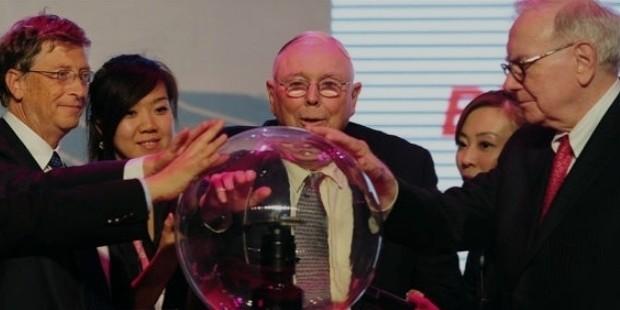charles munger bill gates and warren buffett look into a crystal ball