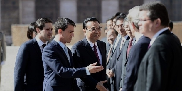 chinese prime minister li keqiang begins a three day visit to france