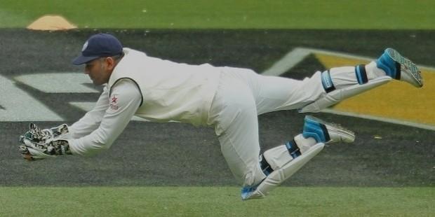 dhoni wicket keeping