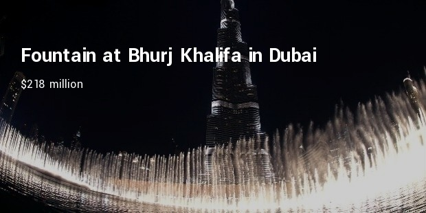 fountain at bhurj khalifa in dubai