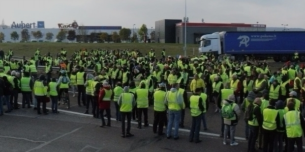 Gilets Jaunes leaderless movement