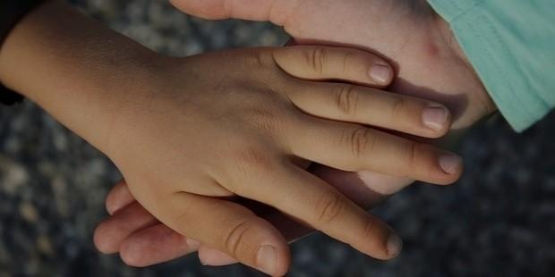 hand 838975