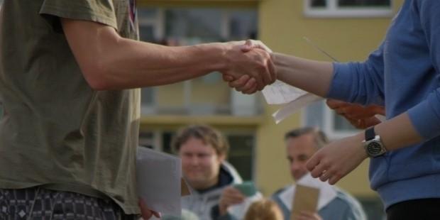 handshakes 930181