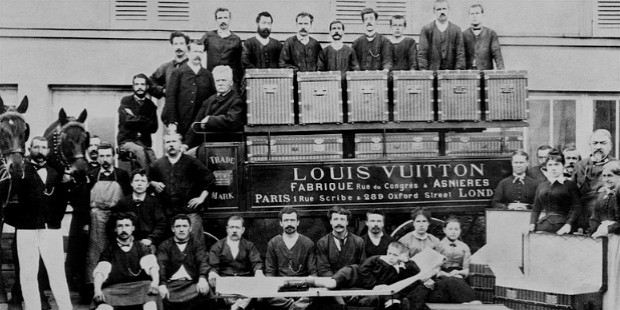 lois vitton first store