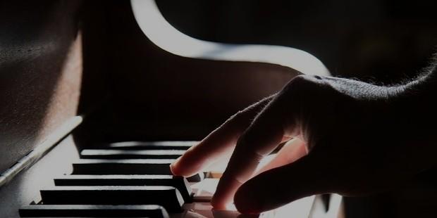 piano 801707