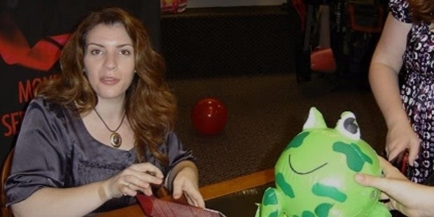 Stephenie Meyer Story - Bio, Facts, Networth, Home, Family