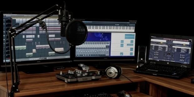 studio 1003635
