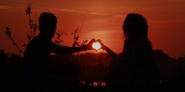 sunset images with love couple