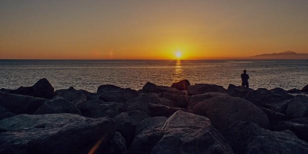 wtahcing sun set