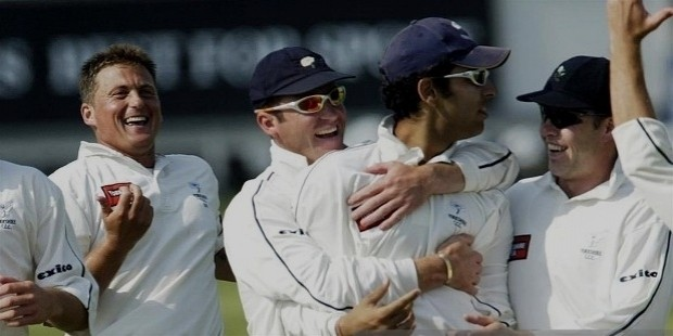 yuvraj singh is after sachin to play for yorkshire