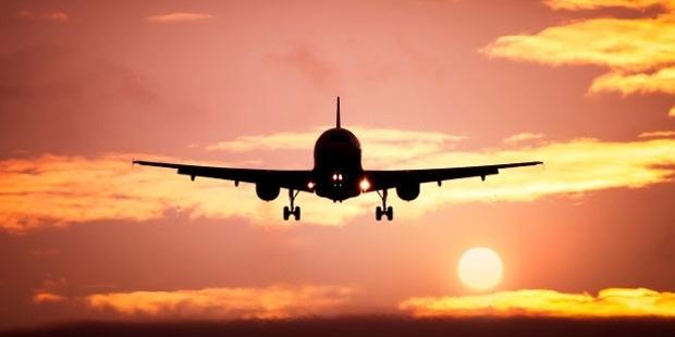 10 Secret Ways to Save Money on Airfares