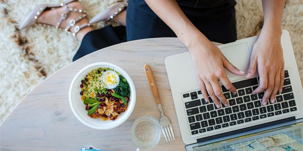 10 Tips for Eating Healthy While Working From Home
