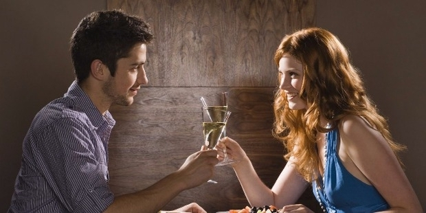 15 First Date Ideas for a Time Strapped Professional