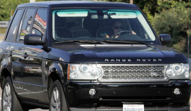 Angelina drives her Range Rover