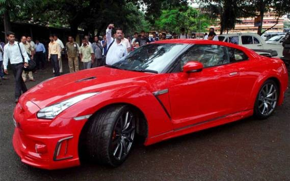 Red Nissan GT R