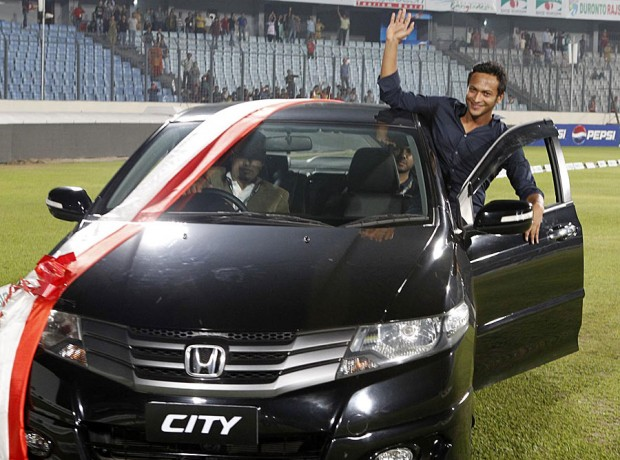 Shakib Al Hasan Honda City car