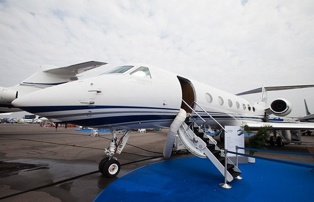 Wang's Jet For His Tours