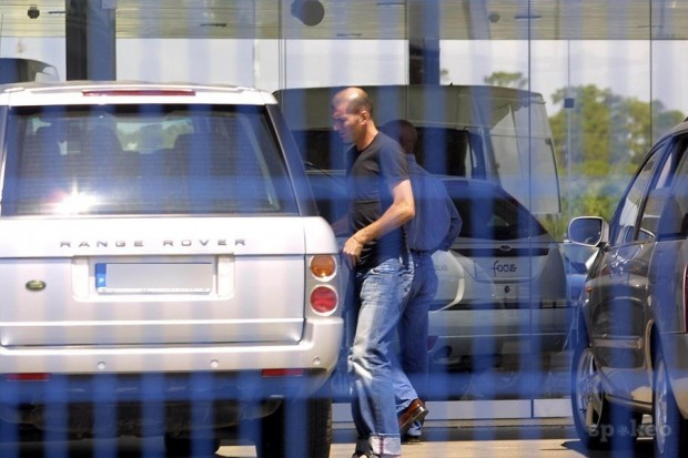 Zidane in his Range Rover