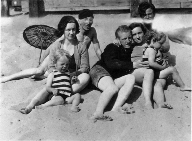 Baby Marilyn on the beach with her mother and Family