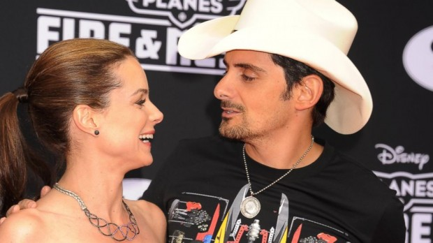 Brad Paisley and Wife Kimberly Renew Wedding Vows