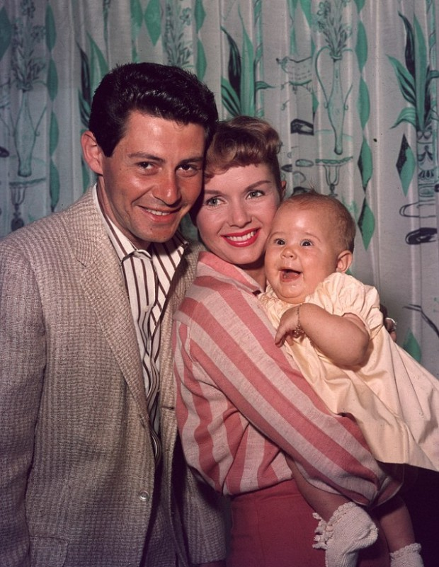 Baby Carrie fisher with her parents Debbie and Eddie Fisher
